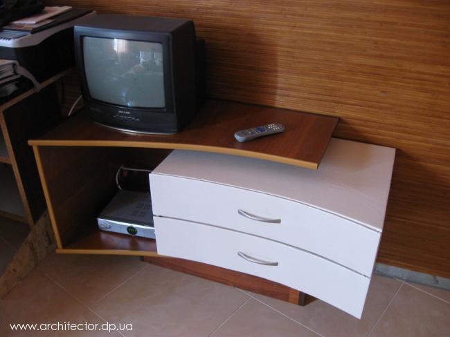 Как своими руками сделать тумбочку под телевизор